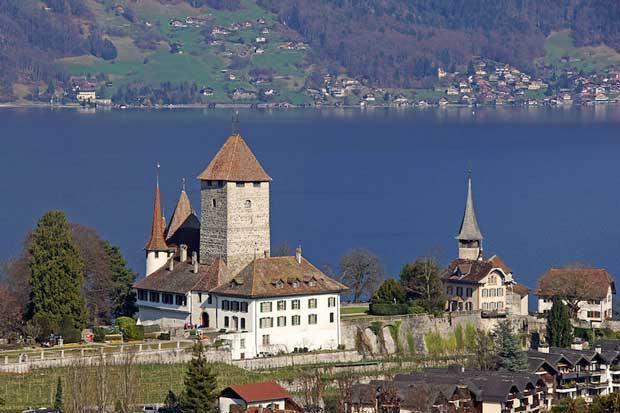8 قلعه دیدنی و توریستی سوئیس