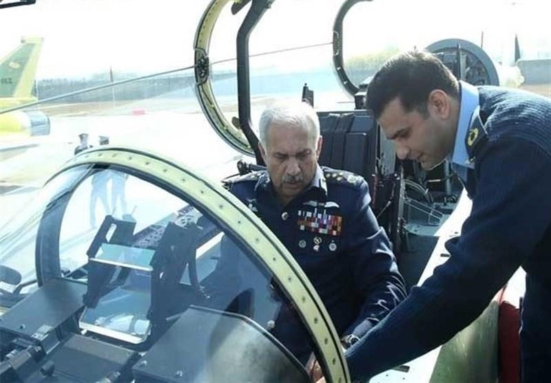 پاکستان نمونه تازه ای از جنگنده های خود را رونمایی کرد