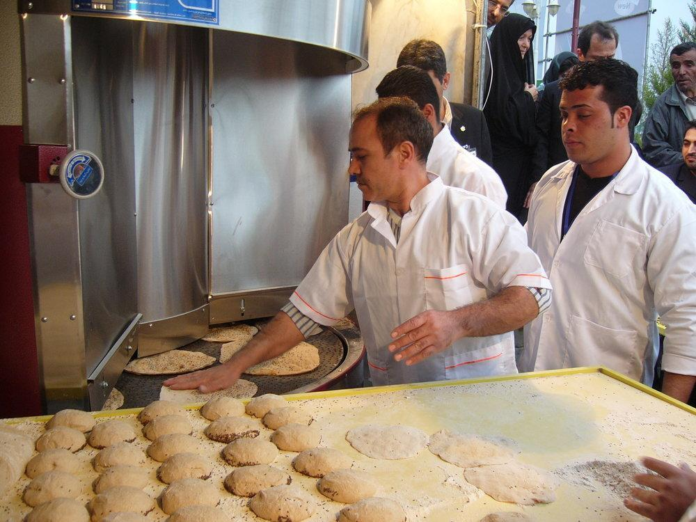 مقدم: نان گران نشود، نانوا از کجا نان بخورد!؟ ، تصمیمی برای افزایش قیمت نان گرفته نشده است