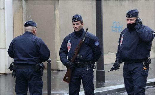 یک زخمی در تیراندازی به نمازگزارن یک مسجد در فرانسه