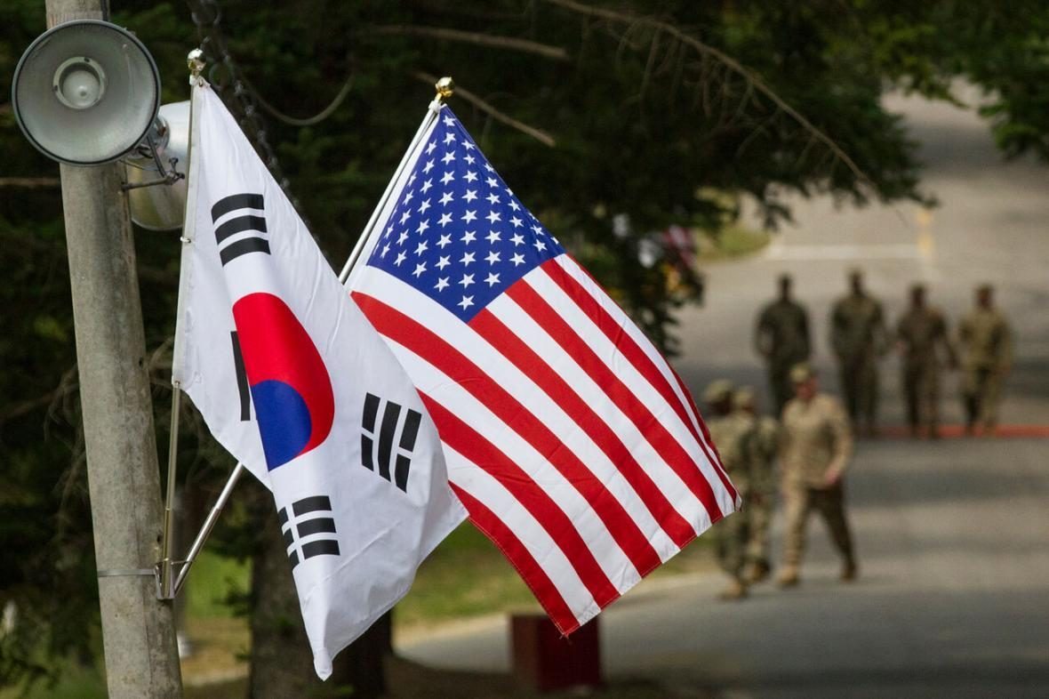 خبرنگاران آمریکا و کره جنوبی مذاکرات تقسیم هزینه های نظامی را از سرگرفتند