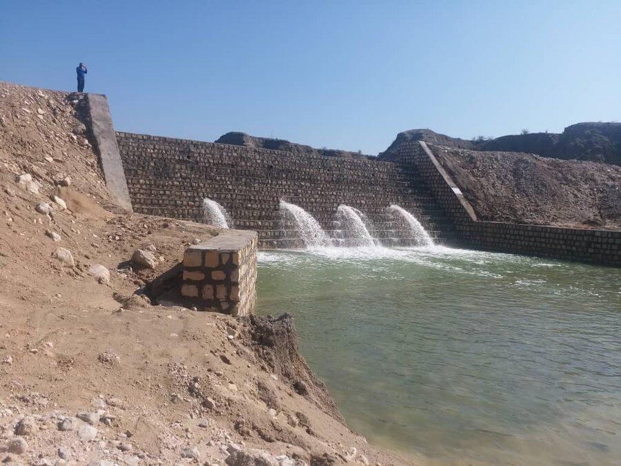 سیلاب 500 هزار متر مکعب آب در سازه های آبخیزداری کنگان ذخیره کرد
