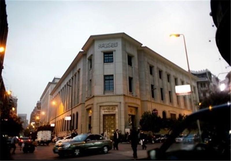 وزیر اطلاع رسانی مصر بعد از بیانیه ارتش سریعا از رادیو وتلویزیون خارج شد
