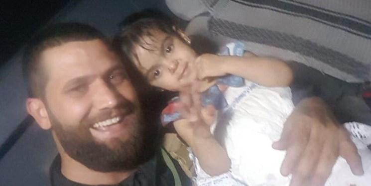 الحشدالشعبی دختربچه ای که داعش والدینش را به شهادت رساند، نجات داد