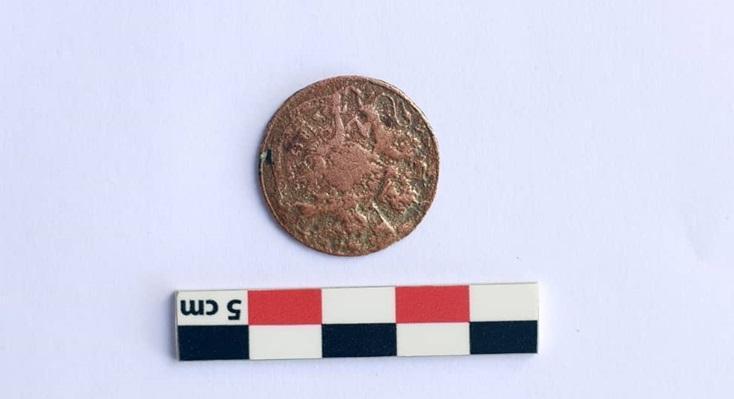 عکس، کشف سکه انگلیسی در بندر سیراف