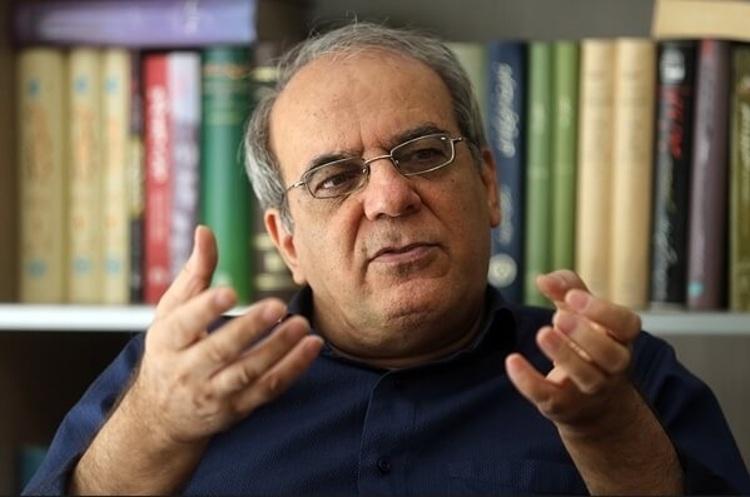 عباس عبدی: حرف های فتاح خنده دار بود