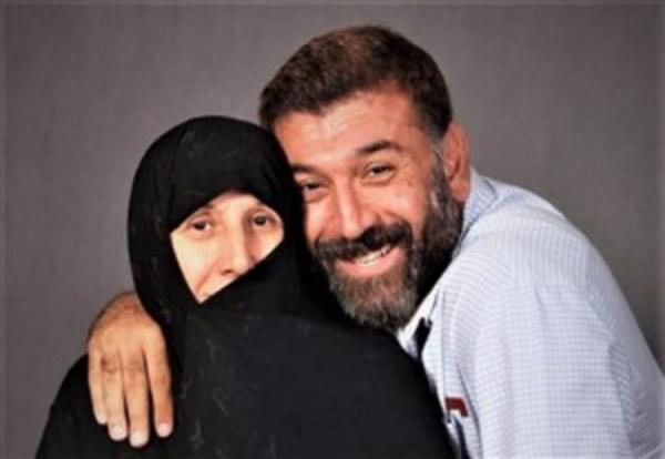 (عکس) پیغام مادر علی انصاریان برای مردم ایران