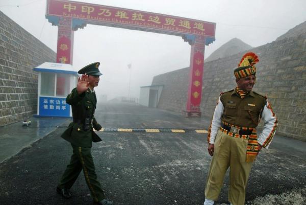 خبرنگاران درگیری چین و هند در منطقه مرزی