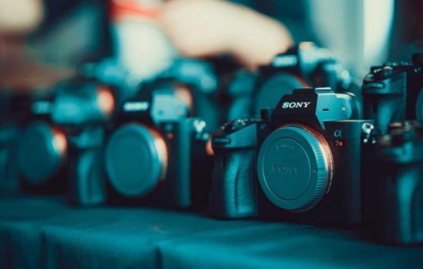 بهترین دوربین های بدون آینه در سال 2021