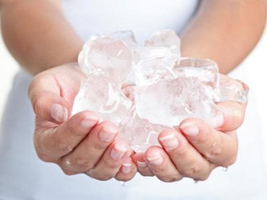 آیا خوردن یخ ضرر دارد؟